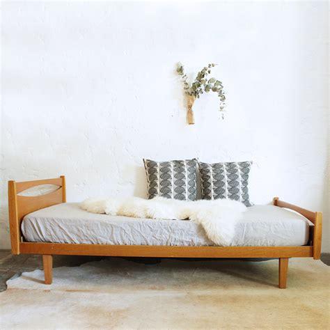 canapé lit scandinave vintage lit scandinave vintage maison design wiblia com