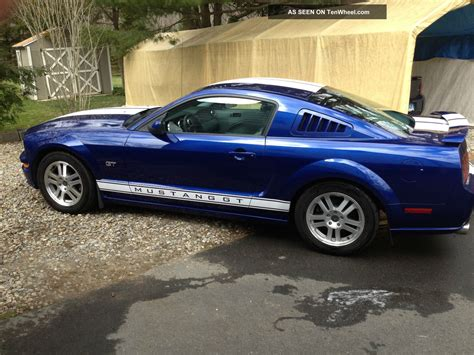 automatic ford mustang 2005 mustang gt coupe 4 6l automatic