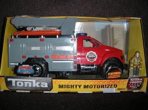 tonka mighty motorized fire truck nib tonka mighty motorized fire rescue emergency truck ebay
