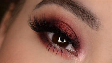 master  burgundy eyeshadow