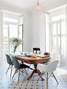 Chaise Moderne Avec Table Ancienne : table ancienne et chaises modernes salle manger pinterest beautiful cuivre et moderne ~ Teatrodelosmanantiales.com Idées de Décoration