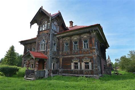 Polyashov's Wooden House In Pogorelovo Village · Russia