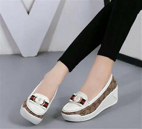 jual sendal sepatu slip on guci putih replika sepatu wanita murah sneakers boots flat shoes