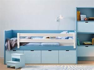 Mobilier Chambre Enfant : mobilier pour enfant une chambre enfant bleue design anders paris ~ Teatrodelosmanantiales.com Idées de Décoration