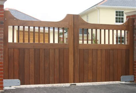 wood wooden driveway gate plans blueprints  diy