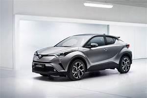 Toyota C Hr 2016 : toyota c hr revealed 2016 s quirkiest qashqai rival is go by car magazine ~ Medecine-chirurgie-esthetiques.com Avis de Voitures
