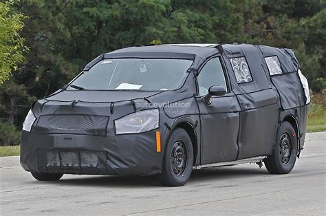 chrysler town country spied  close  personal