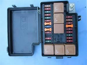 Jaguar Xj8 Xj8l Vanden Plas Front Fuse Box 22way Lnf2822ba