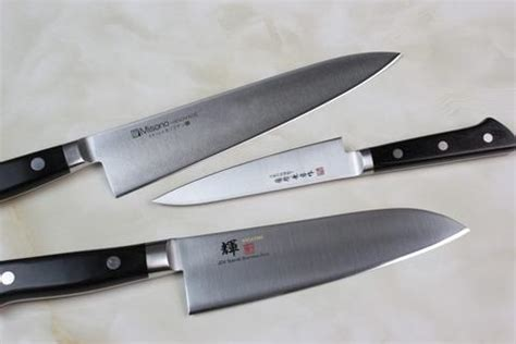 How To Choose Kitchen Knives by How To Choose A Japanese Kitchen Knife With Koki Iwahara