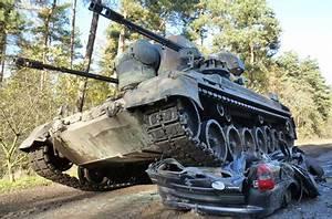 Panzer Kaufen Preis : car crashing mit dem panzer jochen schweizer ~ Orissabook.com Haus und Dekorationen