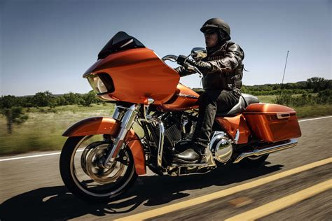 2014 Harley Davidson Road Glide by 2016 Harley Davidson Touring Road Glide Review