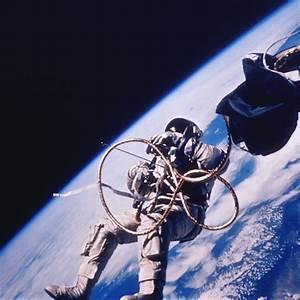 Space Rocket History #61 – Gemini IV with James McDivitt ...