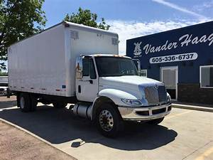 2013 International Durastar 4300 Single Axle Box Truck