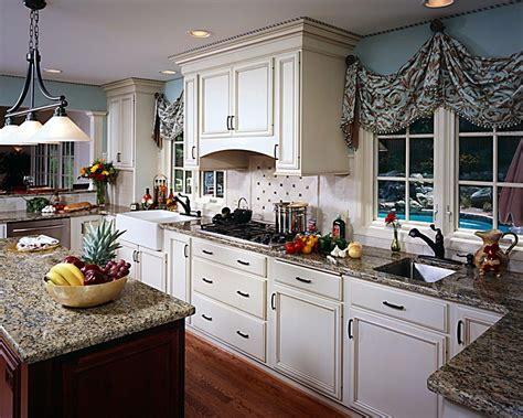 traditional kitchen  bel air construction kitchen