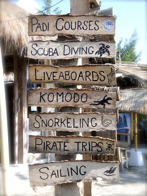 beach signs design  life