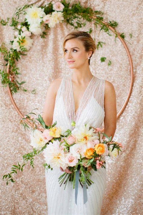 Blumen Hochzeit Dekorationsideenblumen Dekoidee Fuer Hochzeit by Deko Ideen Hochzeit Hula Hoop Reifen Blumen Wanddeko