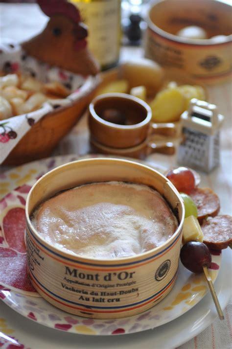boite chaude mont d or d 233 lices et caprices mont d or dans sa boite chaude fa 231 on fondue au four