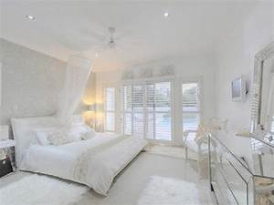 All white bedroom decorating ideas, chic all white bedroom ...