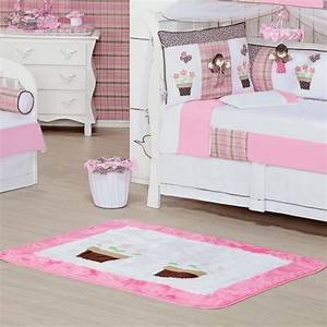 tapis chambre bebe idees de deco sympa et originale With chambre bébé design avec tapis des fleurs avis