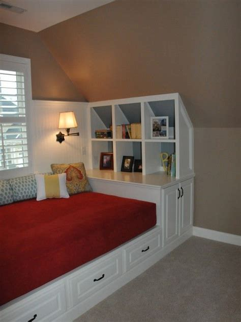 Ideas For Bedroom With Slanted Ceiling by 17 Best Images About Slanted Ceilings On Attic