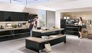 Moderne Küche Hochglanz Schwarz : moderne einbauk che norina 4312 schwarz hochglanz lack grifflos k chenquelle ~ Indierocktalk.com Haus und Dekorationen