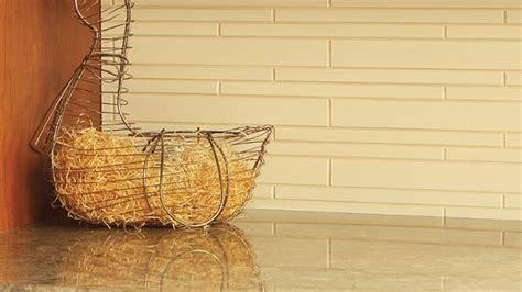 cv aide de cuisine installer le dosseret de cuisine tuiles de vinyle ou
