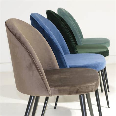 pied de chaise scandinave chaise scandinave en velours sofia marron pieds noir