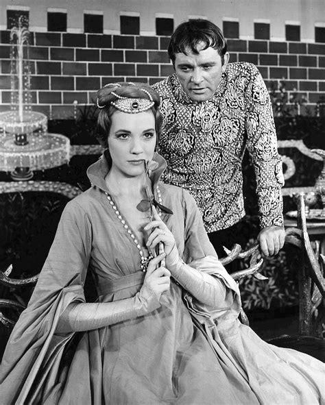 File:Richard Burton and Julie Andrews Camelot.JPG