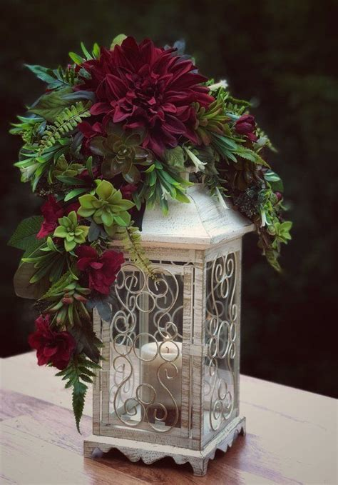 15 Creative Wedding Lantern Decorations to Wow Your Guests
