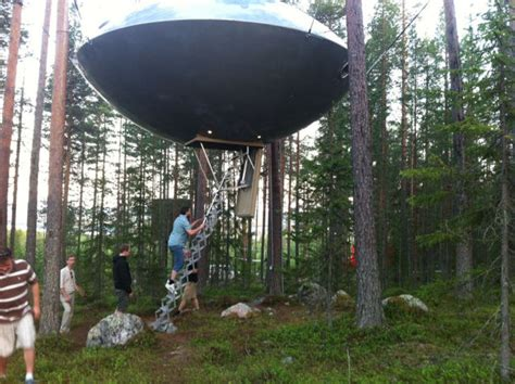 ufo treehouse hotel  sweden damn cool pictures