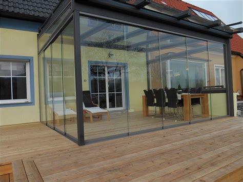 überdachung terrasse glas sommergarten terrasse ganzglaselemente glasschiebeelemente