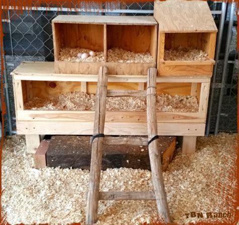 easy cheap diy chicken nesting boxes