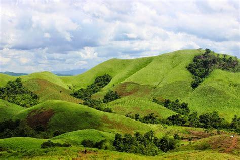 hamparan bukit hijau indah  bukti indonesia sekeping