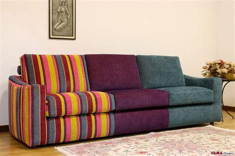 Divano Multicolore Moderno In Tessuto