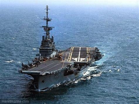 dcns et stx proposent un nouveau design de porte avions mer et marine