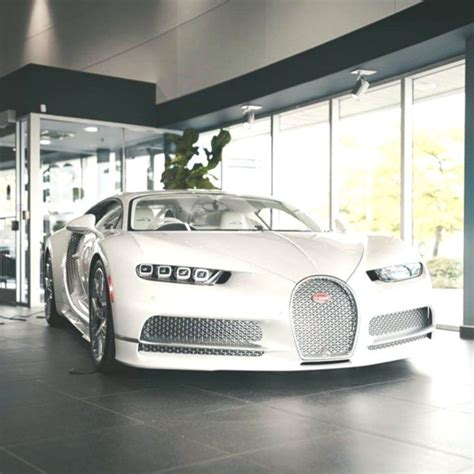 After setting the world record for the fastest serial production car with the veyron and producing it for 10 years, the chiron had to become an even more advanced. All white Chiron Hot or not Via: @obprestigeauto # bugatti # chiron # sports_carss # c ...