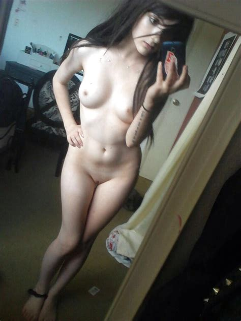 Great Body And A Tidy Room Porn Photo Eporner