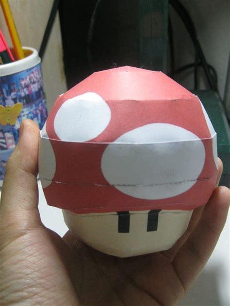 mario mushroom papercraft     paper model