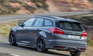 Ford Focus Turnier Kombi : ford focus st facelift als kombi und limousine mit ~ Jslefanu.com Haus und Dekorationen