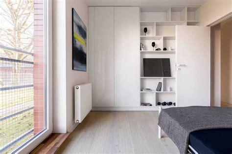 fit    stuff   storage closet apartmentguidecom