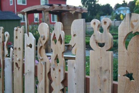 12 Creative And Unusual Diy Fences