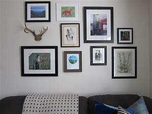 Decorating the house with photo frames in decors