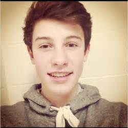boys earrings shawn mendes shawn mendes photo 37721480 fanpop