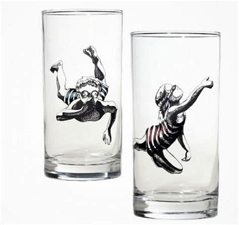 aquarium verre a pied top 25 des verres insolites au design original mais pas pratique pour boire topito