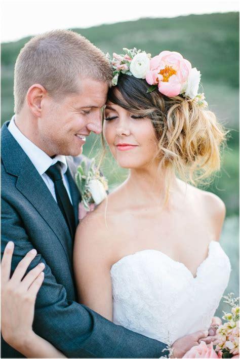 27sweet Bride And Groom Pose Great Posing Guide Pinterest