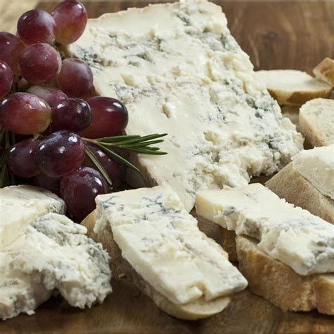dolce cuisine gorgonzola dolce dop by piedmont from italy buy cheese