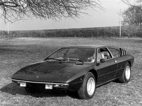 lamborghini urracco voiture gt italienne auto