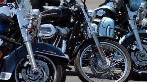 kinder auf motorrad kinder als mitfahrer auf dem motorrad bikinger magazin