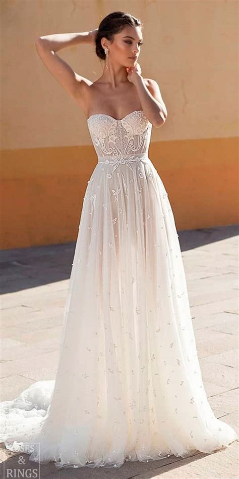 beach wedding dresses perfect   destination wedding
