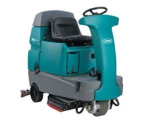 tennant t7 ride on scrubber powervac cleaning equipment